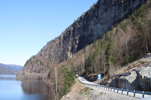 KREVER TUNNEL: Sirdal kommune krever at prosjektet med ny Gåsehelletunnel som rassikring langs Sirdalsvatnet blir tatt med i prioriteringslisten til Regionplan Lister i år.