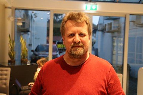 MERKELIG: Ordfører Torbjørn Klungland (Frp) i Flekkefjord synes det er merkelig at det kommer forslag fra fylkesskoledirektøren om å kutte i studietilbud allerede fra høsten når det pågår arbeid med et stort mulighetsstudie igangsatt av fylket.