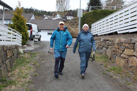 IVRIGE TRIMMERE: Gunhild og Lars Hjelleset fra Sira fikk en fin tur i ukens løype over fem kilometer på Søyland.