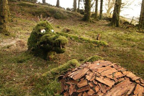 KREATIVT: Eventyr kommer til liv i Eventyrskogen.