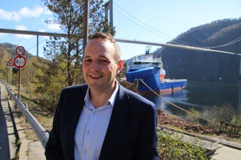 KJEMPER FOR PLASS: Stortingsrepresentant Gisle M. Saudland (Frp) fra Flekkefjord må kjempe hardt for at partiet skal få nok oppslutning til at han får fire nye år på Stortinget.