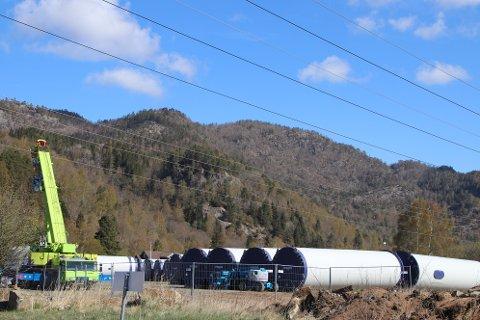 ØYESLETTA: Mellomlagringen av turbindeler er på Øyesletta ved kommunen og Helicon sine næringseiendommer.