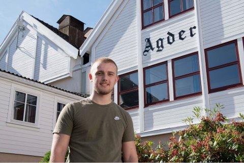 GLEDER SEG: Andreas er klar for en sommer i avisen