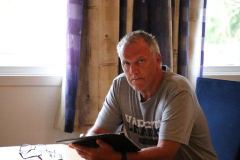 UTFORDRER POLITIKERNE: Økonomisjef Arne Fredriksen utfordrer politikerne til å unngå at investeringsprosjekter blir styrt av politiske grupper.