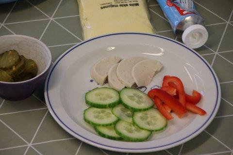 BYTTE UT MATPAKKE: Flertallet av foreldre ønsker seg tilbake til ordningen som var før koronasituasjonen . Da ble det tilberedt og servert tre måltider i løpet av barnehagedagen, frokost, lunsj og frukt-/ ettermiddagsmåltid.