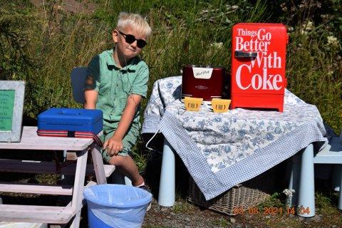 INNBRINGENDE: Kevin Østhus solgte unna da han drev egen kiosk i sommer.