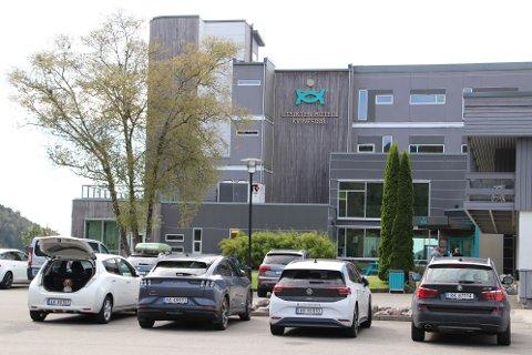 SELGER SEG UT: Kvinesdal kommune gikk inn med 17 millioner kroner for å realisere Utsikten hotell i 2008. Nå vil formannskapet starte forhandlinger for å selge «kommune-delen» av hotellet.