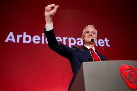 SEIER: Ap-leder Jonas Gahr Støre erklærer partiet som valgvinner i sin tale til Arbeiderpartiets valgvake på Folkets hus ved stortingsvalget 2021.
