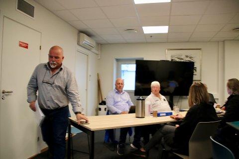 FORLOT MØTET: – Da må jeg be om å bli permittert fra resten av møtet. Jeg føler ikke at jeg kan bidra med noe på resten av dette møtet, sa John Hansen før han forlot møtet i kontrollutvalget i Flekkefjord mandag morgen.