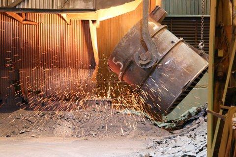 STRAFFES FOR TILTAK: Fordi Eramet i Kvinesdal gjenvinner varme og brensel, er tildelingen av klimakvoter til selskapet redusert med 40.000. Det utgjør over 20 millioner kroner pr. år.