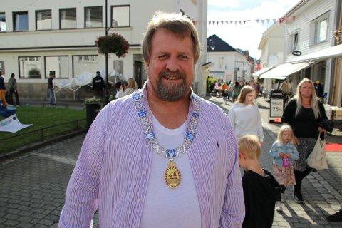 PLANLEGGER FEST: Ordfører Torbjørn Klungland (Frp) og resten av festkomiteen har 500.000 kroner til disposisjon for en stor gjenåpningsfest sommeren 2022.