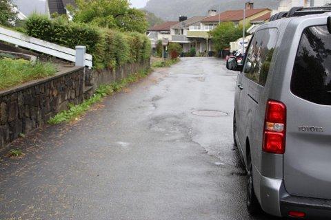 OMFATTENDE ENDRINGER: Det blir slutt på gateparkering utenom anviste plasser på Uenes dersom planen går gjennom.