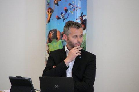 SPENT: Fylkesleder Per Sverre Kvinlaug for Agder KrF, som også er ordfører i Kvinesdal og vikar på Stortinget er svært spent på valgresultatet. Han mener det er svært viktig at KrF mobiliserer det de kan for å komme over sperregrensen.