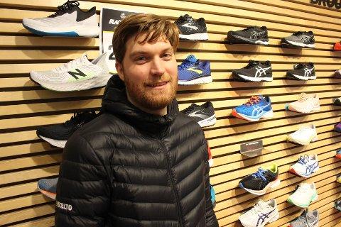 SKOJAKT: Ole-André Riga-Johansen gjør som mange andre i Oslo i det siste: kjøper løpesko for å trene ute under nedstengningen.