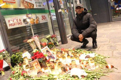 TRIST: Artist Jeremy Croos skal bidra med sang når det holdes minnemarkering for Dhenujen Yogathas mandag kveld. Han synes dødsfallet er trist og en tragedie.