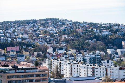 EKEBERGÅSEN: Her ligger det flere fine boliger med god utsikt, men de er ikke i nærheten av vestkantprisene.