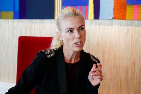 Kommuneoverlege i Nordre Follo, Kerstin Anine Johnsen Myhrvold, under pressekonferanse om koronasituasjonen i Nordre Follo kommune på Rådhuset på Kolbotn. Foto: Vidar Ruud / NTB