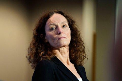 FØLGER MED: Direktør for Folkehelseinstituttet, Camilla Stoltenberg, sier de følger tett med om viruset er dødeligere. Foto: Torstein Bøe (NTB)