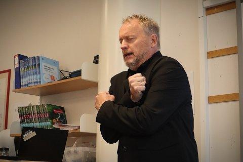 FORTALTE SIN 22. JULI-HISTORIE: I forbindelse med Oslo-skolens markering av at det har gått 10 år siden 22. juli, fortalte byrådsleder Raymond Johansen sin historie til elever ved Karlsrud skole.