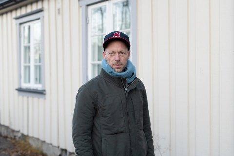 RASER: Bydelspolitiker Tjeran T. Vinje (H) i bydel Gamle Oslo.  er ikke fornøyd med at byrådet har gitt klarsignal til det nye dobbeltsporet opp Brynsbakken.