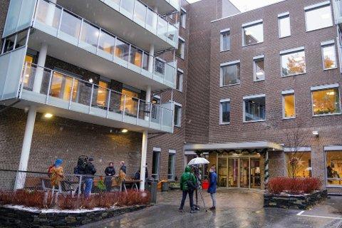 SMITTE: Ellingsrudhjemmet, her fra desember da Norges første beboer på sykehjem fikk vaksinen her. Sykehjemmet ble også det først i Oslo hvor det ble oppdaget smitte hos en fullvaksinert beboer.