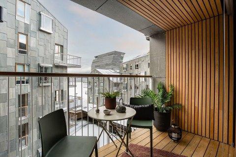 DYR: Leiligheten med denne utsikten selges med en kvadratmeterpris på over 160.000 kroner, altså det dobbelte av snittet for byen. Det skyldes beliggenheten, mener selger.