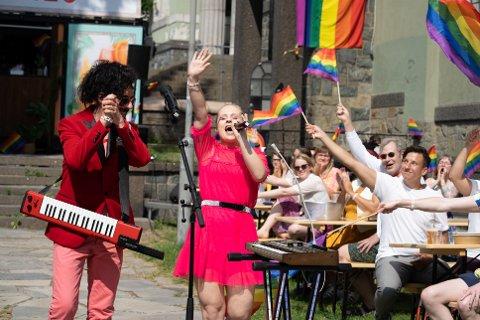 VINNER: Fjorårets vinnere Annsofi & Me opptrer under Oslo Pride 2020.