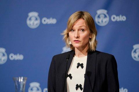STRAMMER TIL: Skolebyråd Inga Marte Thorkildsen (SV) er lei av å vente på at regjeringen skal revidere sin trafikklysmodell for skolene.