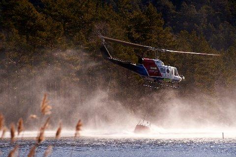 I BEREDSKAP: Skogbrannhelikopteret står klart på Torp utenfor Sandefjord fra 15. april til 15. august.