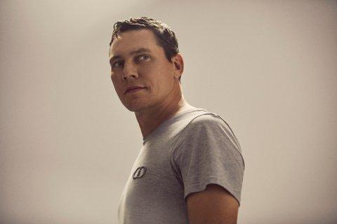 FØRST UT: Tiësto er første artist på plakaten hos Findings.