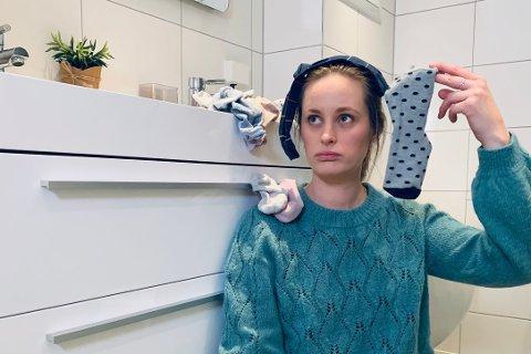SPARER TID MED RYDDING: Linn Marie Amundsen driver Ryddekonsulenten og hjelper folk med å rydde i hjemmene sine. – Man kan spare mye tid på å slippe å lete etter ting, sier hun.