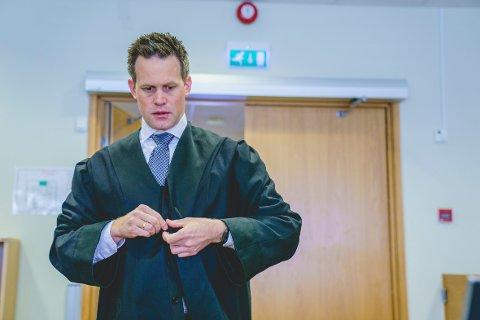 RETTSSAK: Statsadvokat Sturla Henriksbø er aktor i straffesaken mot den 36 år gamle mannen. I september må mannen møte i Oslo tingrett, tiltalt for sovevoldtekt.