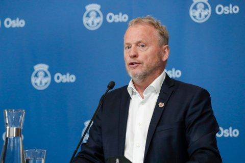 POSITIVT OVERRASKET: En ny vaksinestudie gir grunn til optimisme for Norges befolkning og byrådsleder Raymond Johansen.