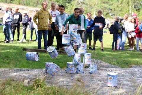 SOMMERLEK: Camp Hudøy er et svært populært sommertilbud til Oslos barn mellom 2. og 7. klasse. Avbildet er barn i full lek fra en tidligere sommerleir på Camp Hudøy.