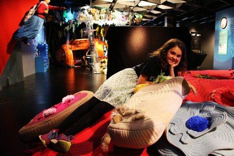 Sofia Reithaug-Stokkmo (10) fikk æren av å åpne den nye utstillingen  «Oppdag Havet» i Norsk maritimt museum denne uken. Hun synes det var mye morsomt å finne på i utstillingen og likte blant annet korallrevet laget av puter.