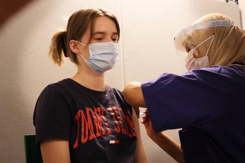 VAKSINERING: Noen bydeler er allerede ferdig med å vaksinere personer mellom 18-24 år og de mellom 40-44 år.