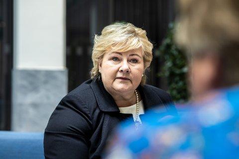 Statsminister Erna Solberg forteller at gjenåpningen fremskyndes med to uker etter at det ble klart at Norge får én million ekstra Moderna-doser.