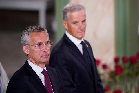 TI ÅR ETTER: Nato-leder Jens Stoltenberg og Ap leder Jonas Gahr Støre under gudstjenesten i Oslo domkirke, ti år etter terrorangrepet 22. Juli 2011.