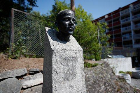 HÆRVERK: Minnesmerket over Benjamin Hermansen ble tagget ned to dager før tiårsmarkeringen av 22. juli.