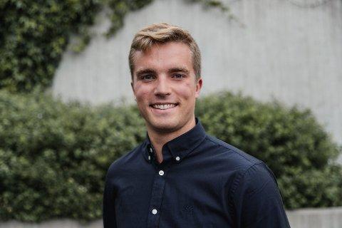 SKYHØYT NIVÅ: Henrik Vassdal (25) er en av 11 studenter ut av 500 søkere som fikk sommerjobb i COWI. Nå skal han og de andre ansatte utvikle miljøvennlige konsepter på Filipstead.