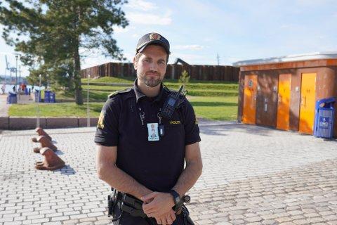 IKKE REELT: Politibetjent Jonas Håreksson Andreassen sier at de sakene de har kommet til bunns i, har vist seg ikke å være reelle.