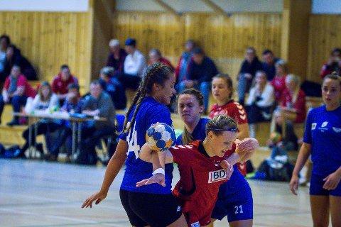 Handball J156. Knarvik - Fana 18-22. Caroline Torpe.