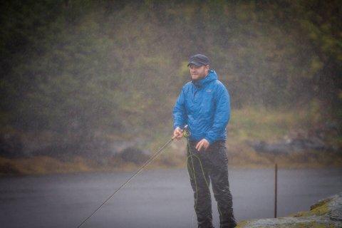 Endre Hopland på fisketur i Eikangervåg.