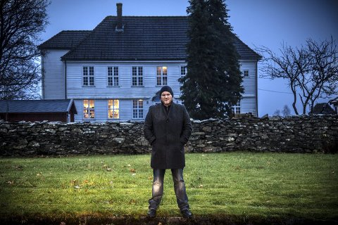 NY BOK: Denne helga vert den femte boka, «Forkynnaren», lansert, basert på manuskript som forfattar Jan Roar Leikvoll etterlet seg. Same helga vert det popup-bokhandel i Bergen berre med Leikvoll sine bøker.Arkivfoto: Morten Sæle