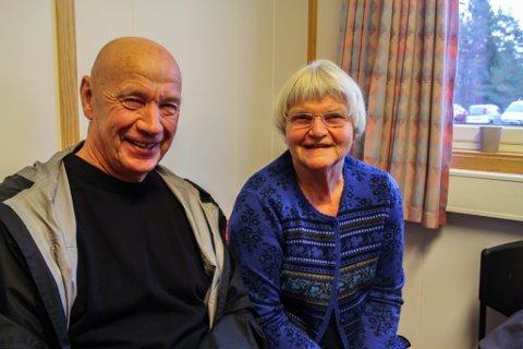 Arne og Ingrid Aven vil gjerne bidra, og ønsker å bli kjende med ungdommar ved mottaket.