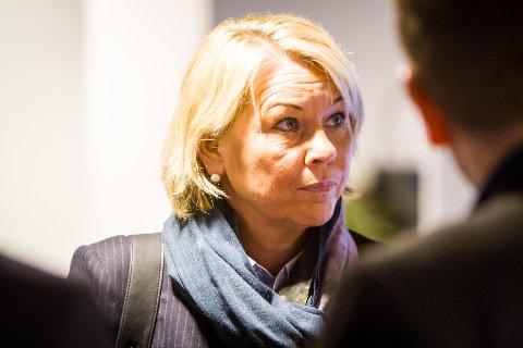Næringsminister Monica Mæland i Knarvik