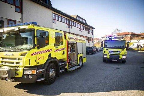 Lindås og Meland brannvesen rykte søndag ut til eit privat bustadhus i Ådlandsvegen etter ein alarm. Det viste seg at det var arbeid som hadde utløyst alarmen. Arkivfoto