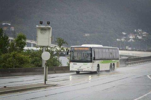 Frå 27. juni blir det ikkje lenger rutehefte å finna i bussane til Nordhordland. Arkivfoto