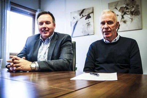 TILBYR HJELP: Børge Brundtland i Industriutvikling Vest og Svein M. Nordvik i Nordhordland Handverk- og Industrilag kan tilby kurs i nyskaping og utvikling. Profesjonelle kurshaldarar skal kunna hjelpa verksemder til utvikling av nye produkt og tenester og til å finna nye marknader. Effektivisering og klyngebygging vert også tema. foto: Gro anette fanebust