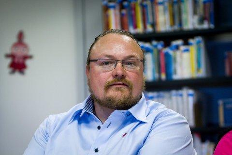 Debattmøte på biblioteket i Knarvik. Alle politiske parti i Lindås stilte opp. Bjarte Vatnøy. FrP
